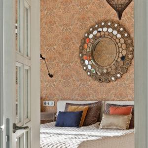 Начать с чистого листа: Как декорировать стены в съемной квартире