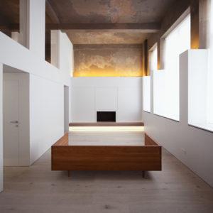 История с геометрией в двухэтажном лофте