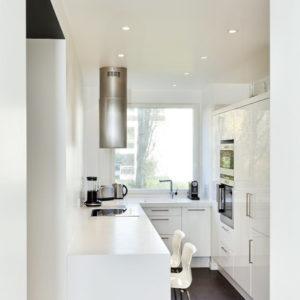 Кухня с мойкой у окна: 7 шагов от мечты до ее реализации