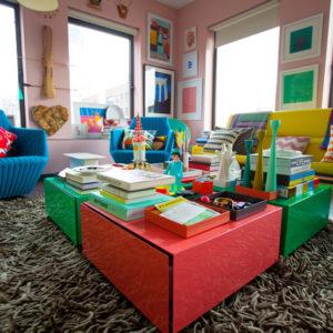 США: Против правил, или Всплеск цвета в квартире на Манхэттене