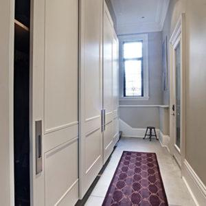 Фасадные работы: Выбираем встроенный шкаф