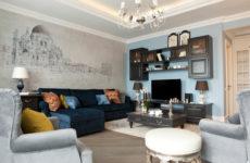 Гостиная недели: Камин и венецианский собор в одной квартире