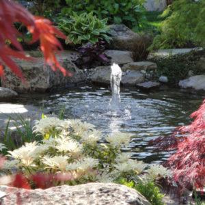 Живая вода: Как выбрать и где разместить фонтан на участке