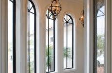 Не квадрат: Какие шторы подойдут окну арочной формы