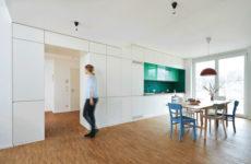 Германия: Встроенная кухня из многофункциональных шкафов-блоков