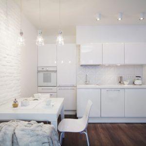 Белое на белом в небольшой екатеринбургской квартире