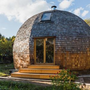 В гостях: Деревянный дом-шар под Зеленоградом