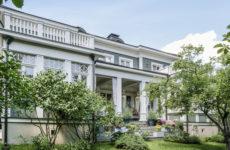 Дом, вдохновленный архитектурой американских пригородов