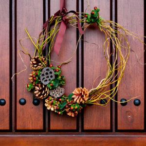 DIY: Как сделать рождественский венок на дверь своими руками