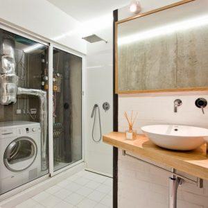 Со всеми удобствами: Маленькая ванная комната в типовом доме