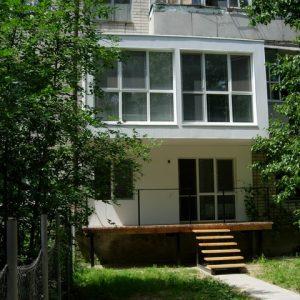Планировка: Как добавить гигантский балкон к хрущевке