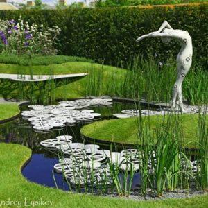 Выставка в Челси: Река времени в саду из России