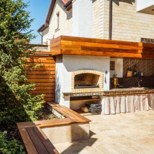 Дом в Краснодаре с бассейном, барбекю и гостевым уголком