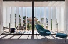 Солнцезащита: Что нужно знать про шторы с другой стороны окна