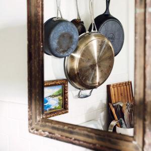 Идеи декора: 12 способов разместить зеркало в интерьере кухни