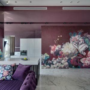 Украина: Цветочные мотивы и авторская мебель в квартире модницы