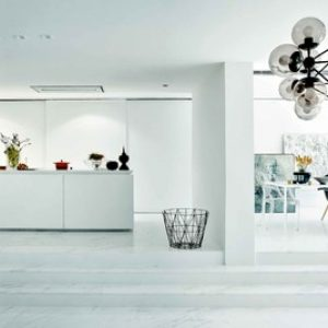 США: Белая квартира в стиле минимализма