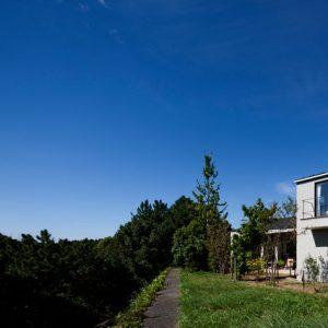 Япония: Дом среди пасторального пейзажа