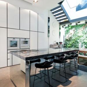 Проект недели: Элегантная кухня-гостиная с открытой планировкой