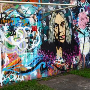 Австралия: Галерея стрит-арта в пляжном домике в Байрон-Бей