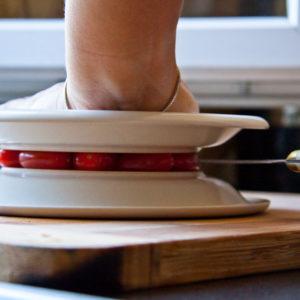 10 лайфхаков, которые помогут готовить ужин проще и вкуснее