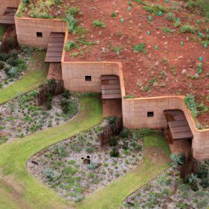 Мир дизайна: Необычный землебитный дом для спасения от жары