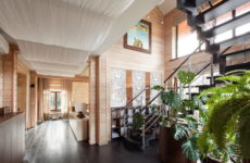Интерьер загородного дома из бруса и бревна: 10 подмосковных проектов
