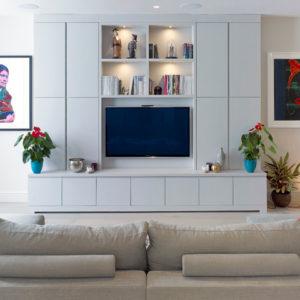 Розетки и выключатели в гостиной: Как разместить их правильно