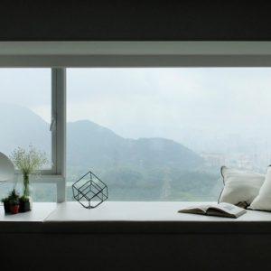 Гонконг: Свет и панорамные виды в минималистичной квартире