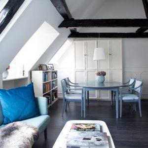 Дания: Квартира модного блогера без дизайнерской мебели
