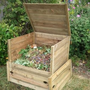 Хороший вопрос: Как сделать компост на даче и не перетрудиться