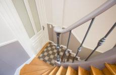 До и после: Реставрация старой лестницы в подъезде