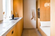 Проект недели: Как датчанка спрятала в ниши кровать и кухню