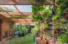 Австралия: Энергоэффективный дом с… курятником
