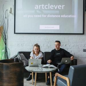 Портрет: Платформа Artclever, где учат визуальным искусствам