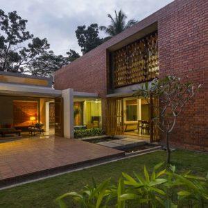 Индия: Дом с неожиданным фасадом