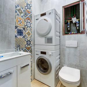 Как правильно: Спрятать коммуникации в ванной комнате