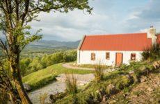 Ирландия: Коттедж в глуши среди гор и холмов