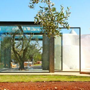 Италия: Дом-трулло со стеклянной пристройкой