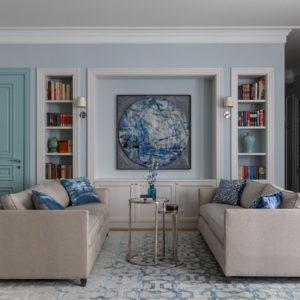 Квартира с небесно-голубой гостиной
