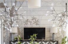 Дом, где на стене «прорастают» деревья