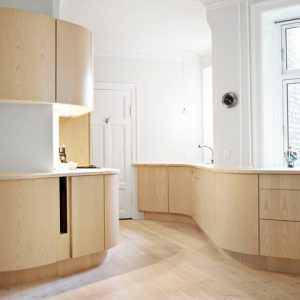 Проект недели: Кухня с закругленными фасадами