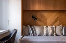 Дизайн-дебаты: Зачем встраивать мебель под потолок