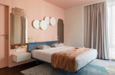 Квартира с цветными… потолками